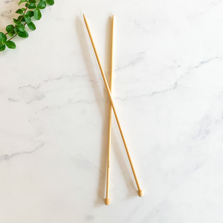 Straight knitting pins 5,5mm