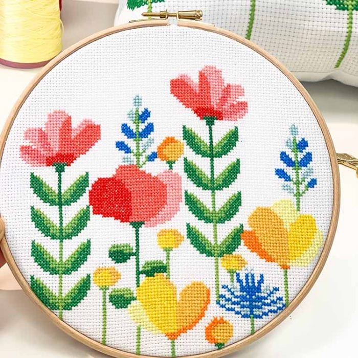 14624 spring flower hoop cross stitch kit