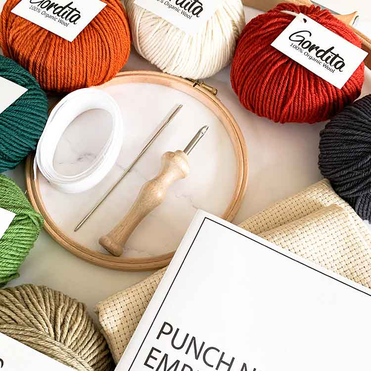 xl punch needle kit with luxury punch needle ergonomic model and 7 balls of ecological wool_