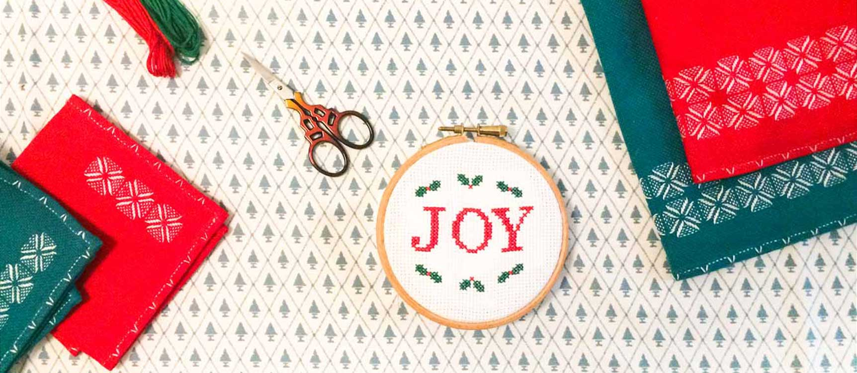 joy free christmas cross stitch pattern