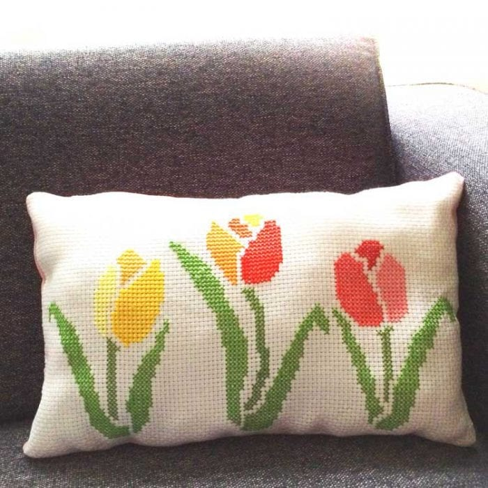 3 tulip cross stitch pattern