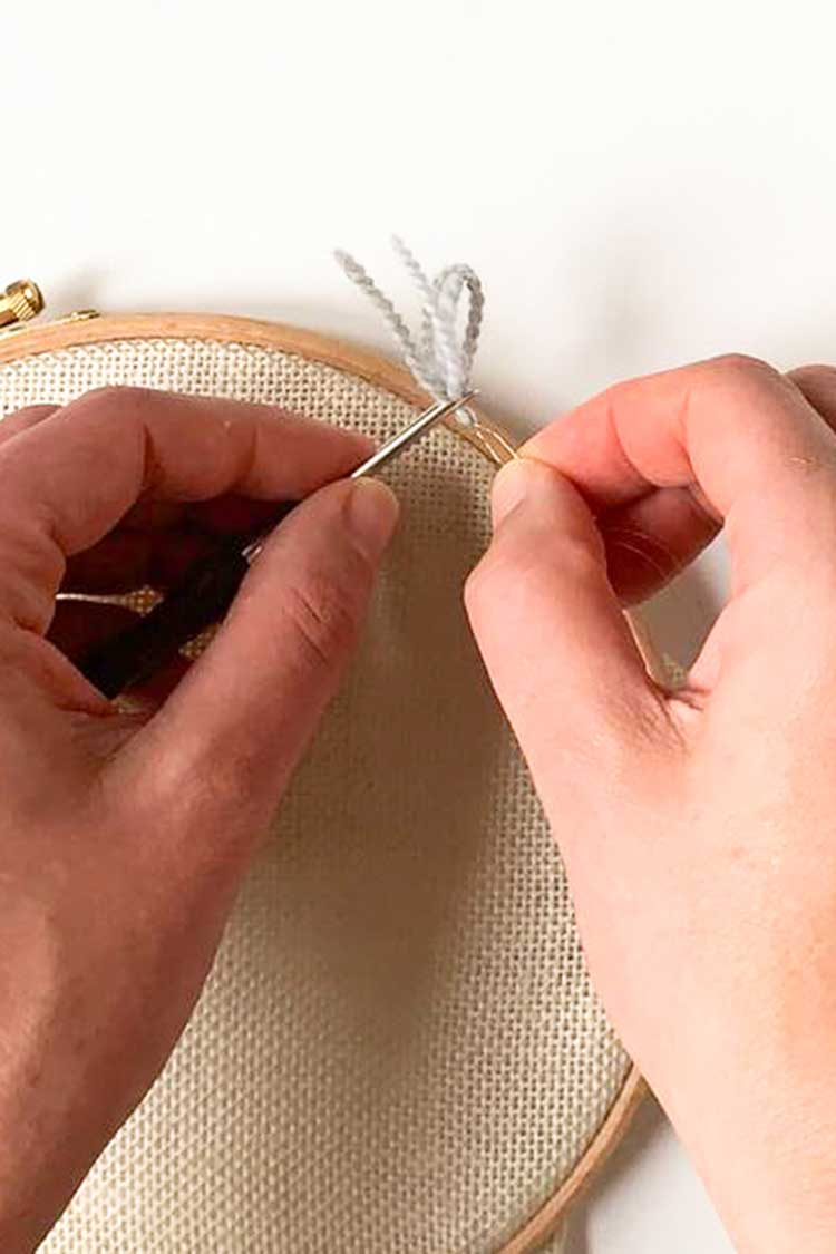 punch with two threads 3 size needle 4