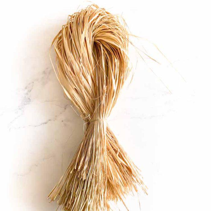 Natural raffia 100 gram bundle