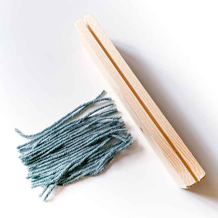 125 mm rug gauge for cutting yarn