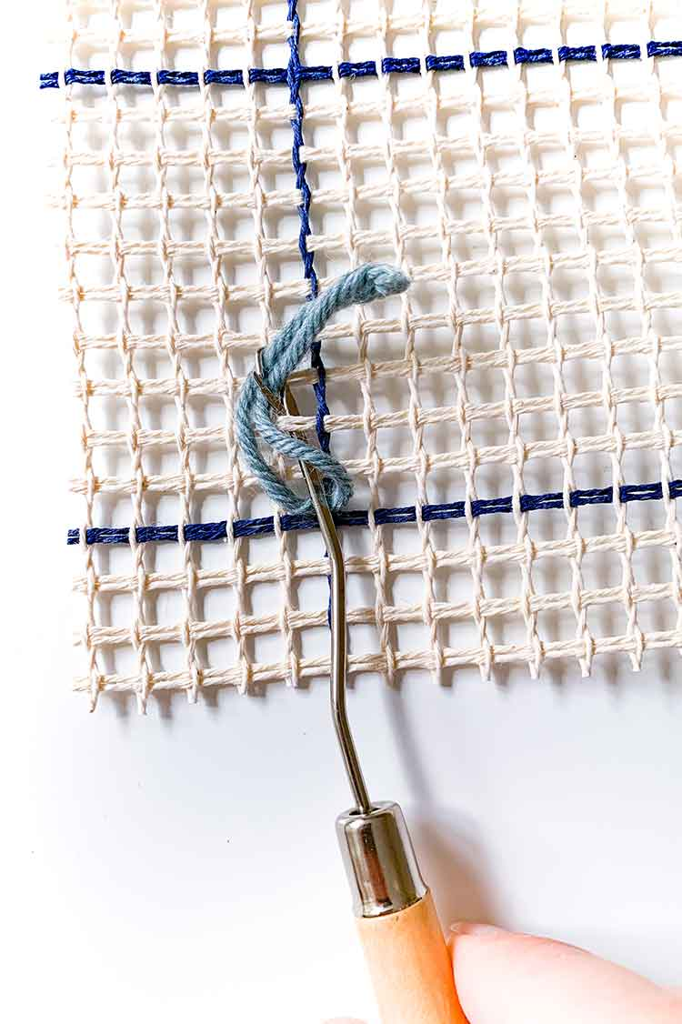 how to rug hook for beginners